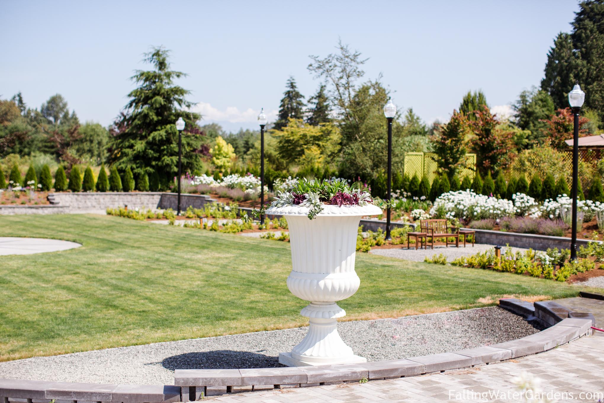 Formal_sunken_garden_wedding_venue_Falling_Water_Gardens_monroe_washington-1074